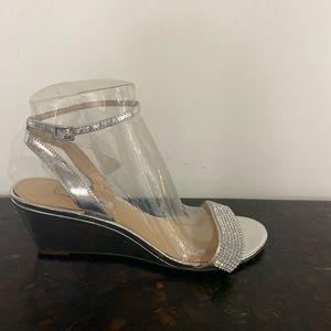 Silver low wedge sandals by NINA, 9,ankle strap